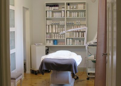 Behandlingsrum med produkter